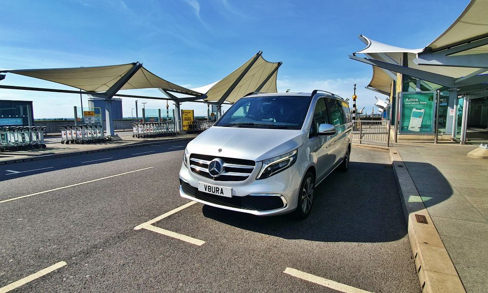 Chauffeur Service to London Heathrow Airport (LHR)